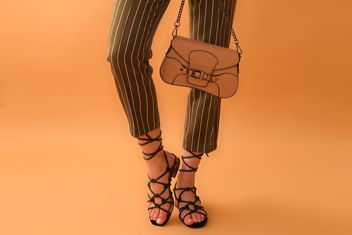 Модные босоножки на выпускной 2021 - фото 1